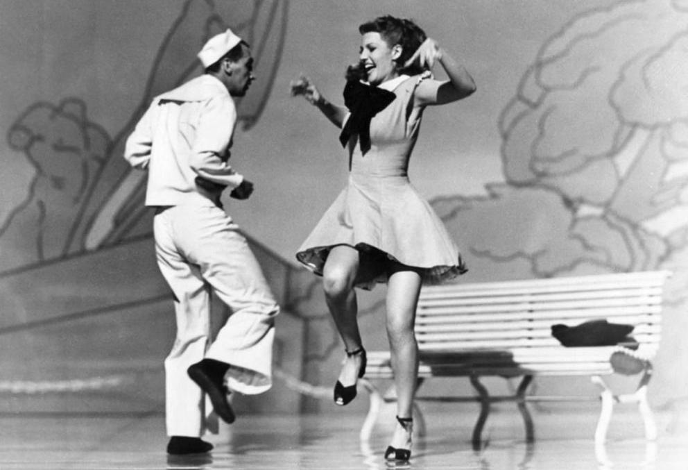 Acquisto pacchetti di corsi Swing presso Crazy Swing School a Bologna.